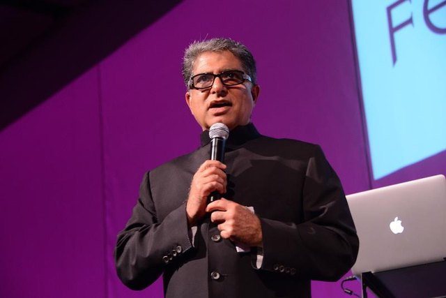 Deepak Chopra shares a meditation that you can practice with your eyes open, and you only need one minute!