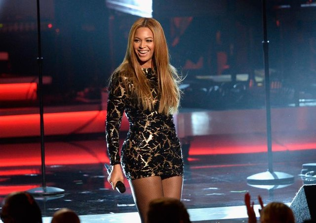 Beyoncé, who went vegan for 22 days with rapper Jay-Z, performs in 2015.