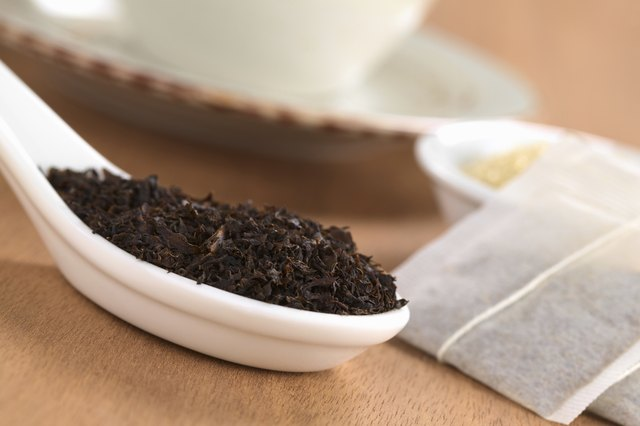 Black tea contains tannin.