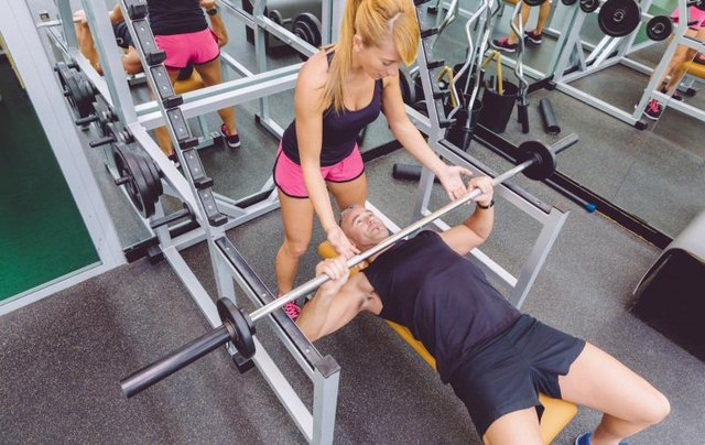 When to Breathe Out When Bench Pressing