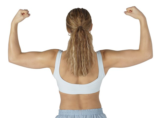 Lady with toned arms is a result of consistent hand weights workouts