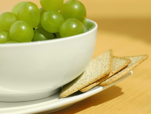 Eat small snacks between your moderate-sized meals.
