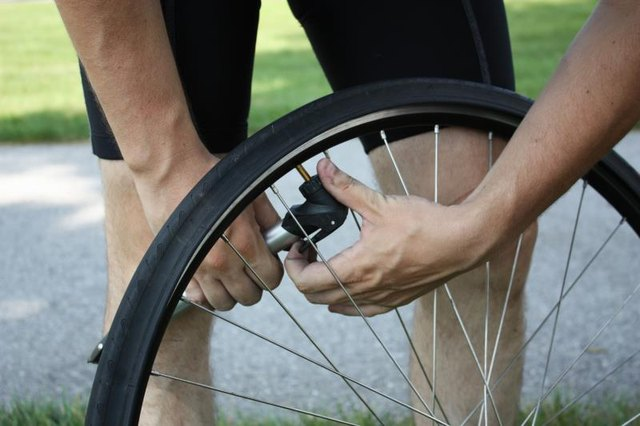 How Do I Pump Up a Bicycle Tire With a Presta Valve?
