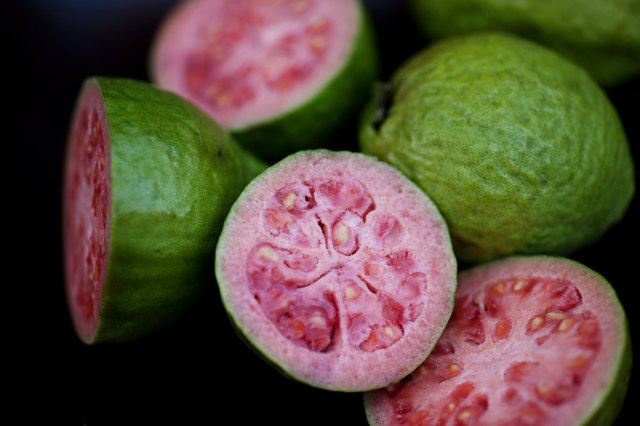 how to eat fresh guava