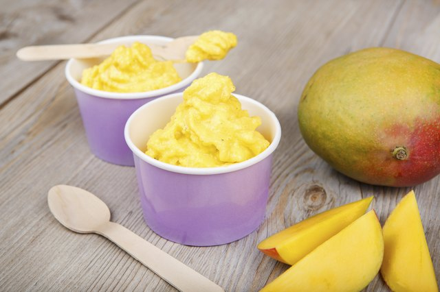 Frozen yogurt with fresh mango.