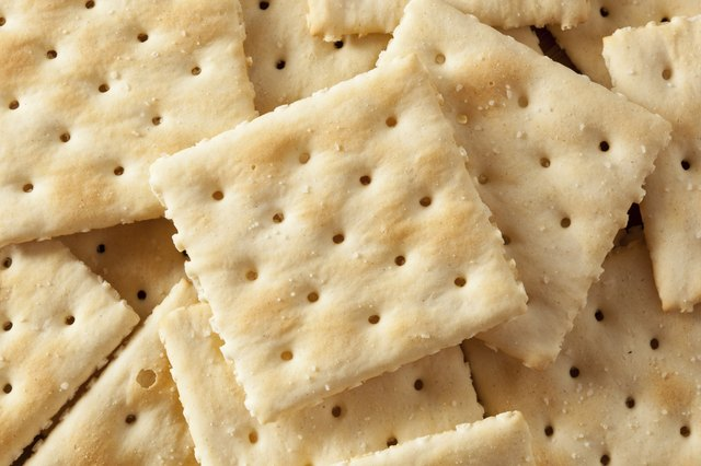 dry saltine crackers