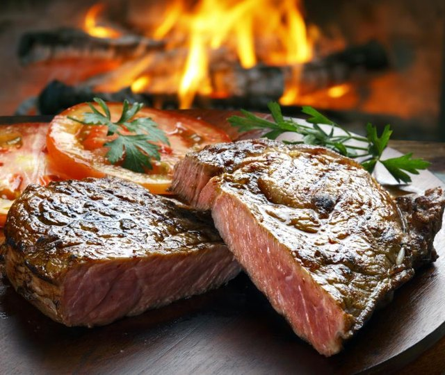 How Much Cholesterol Is in Steak?