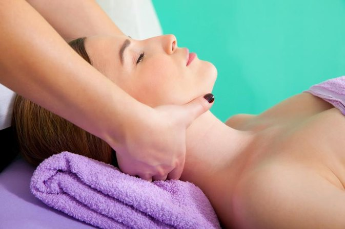 Natural Ways to Treat Muscle Spasms of the Neck