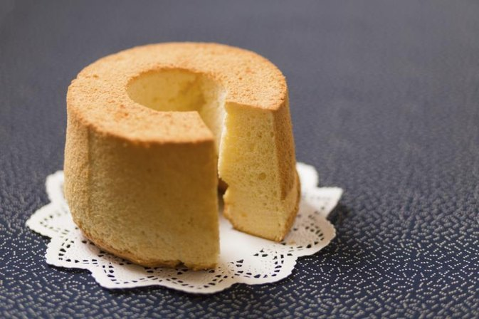 How to Keep Chiffon Cake From Shrinking
