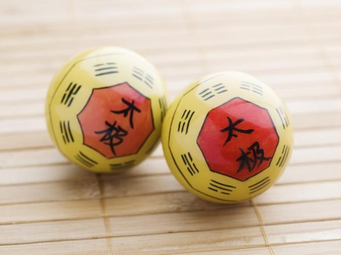 How to Use Chinese Medicine Balls for the Hands