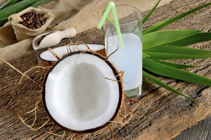 What Are the Advantages of Coconut Milk Vs. Dairy Milk?