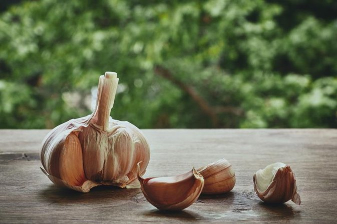 How to Use Garlic for Rectal Itching
