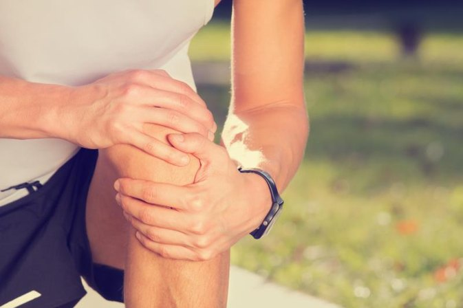 Causes of Pain When Bending the Knee After a Fall