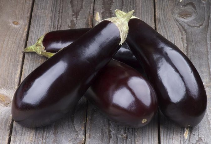 How to Bake a Whole Eggplant