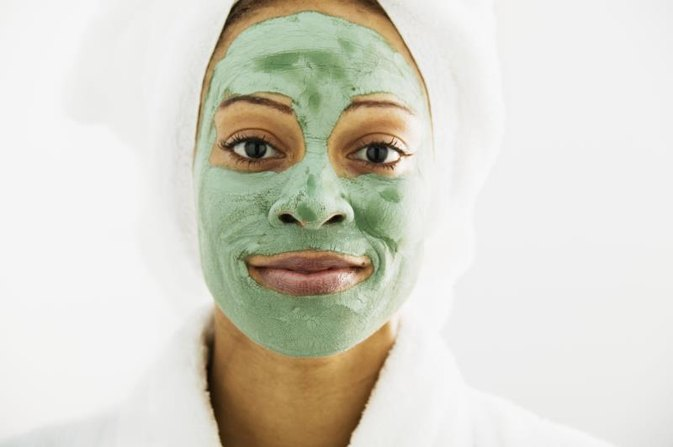 How to Make Homemade Whitening Facial Masks for Oily Skin