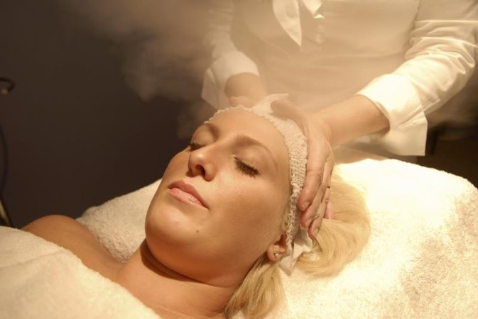How to Make a Facial Steam Bath
