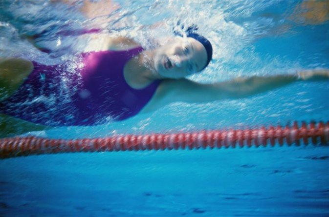 Can Swimming Inflame Tennis Elbow?