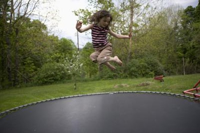 How to Do a Backflip on a Trampoline for the First Time if You Are Not in Gymnastics