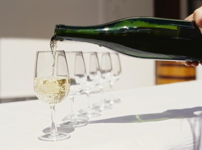 Can You Get Food Poisoning From a Bad Bottle of White Wine?