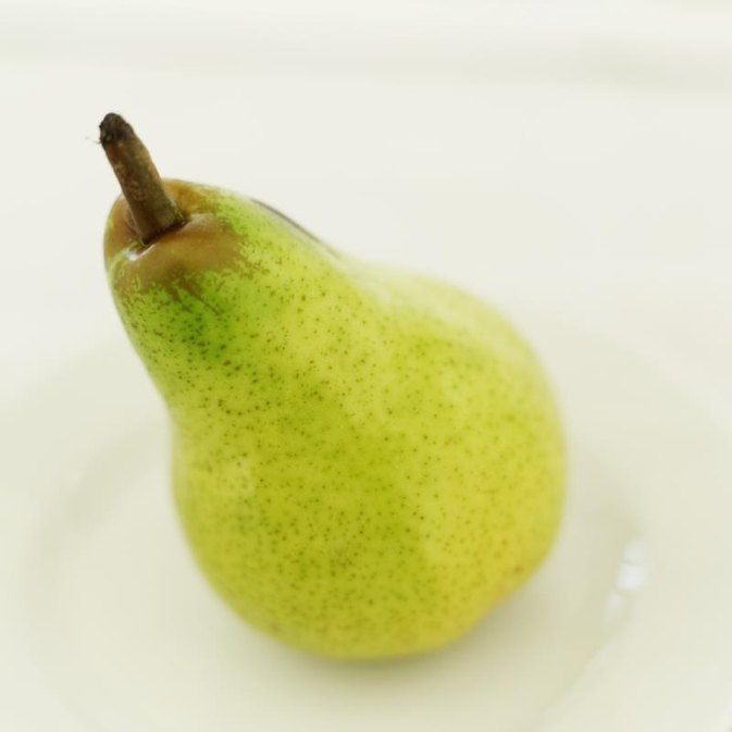 The Best Way to Peel Pears