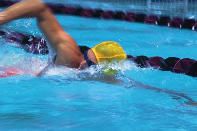 The Advantages of Swimming Sprints vs. Distance