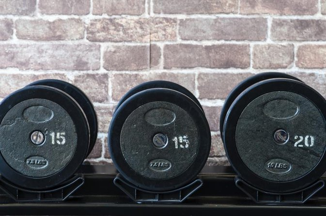 Is Adding Weight on Each Set the Best Way to Gain Muscle When Weightlifting?