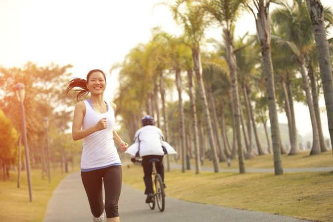 Does Riding a Bike Burn More Fat Than Jogging?