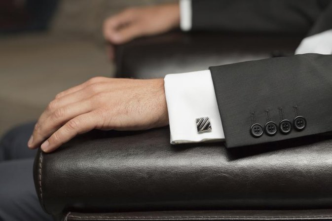 Rules for Cufflink Shirts With a Suit