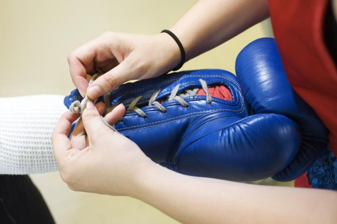 What Are the Rules for the Ounce Sizes of Boxing Gloves?