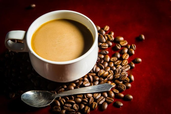 Calories in Instant Coffee With Milk | LIVESTRONG.COM