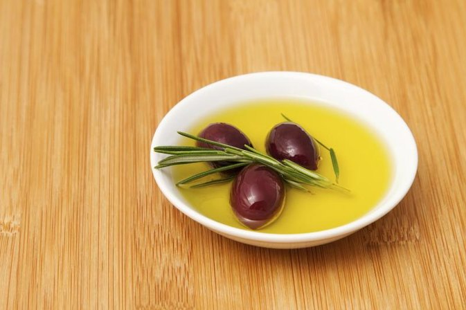 What Are the Health Benefits of Taking a Tablespoon of Olive Oil Daily?