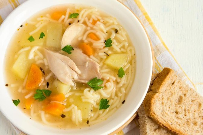 How Can Leftover Juice From Cooking Chicken in a Crock Pot Be Used?
