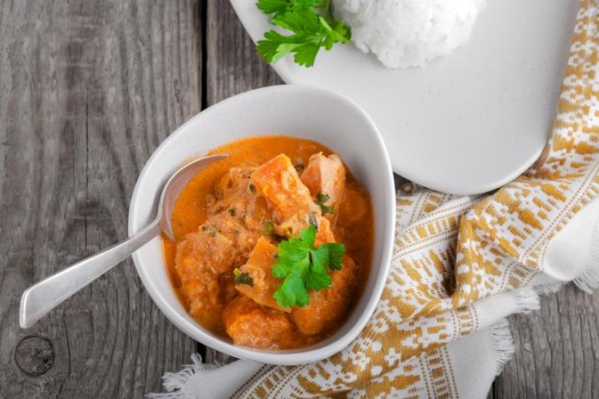 How to Cook Chicken Curry Using a Microwave Oven