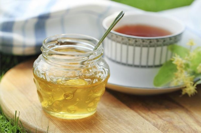 Does Honey Lose Nutrients When Added to Tea & Coffee?