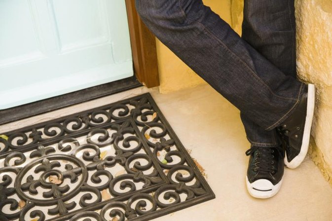 Why You Shouldn't Be a Doormat in a Relationship