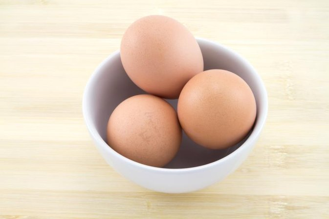 How to Get Rid of Acne With an Egg