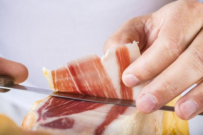 How Does Eating Ham Cause Bloating?