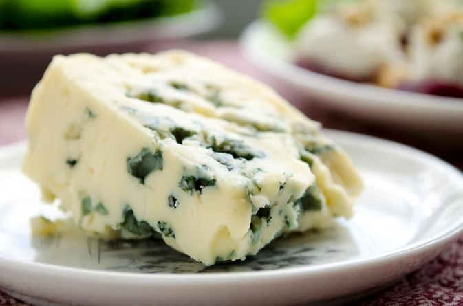 Does Blue Cheese Contain Lactose?