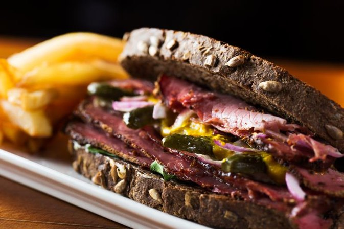 How Much Cholesterol Is in Pastrami Meat?