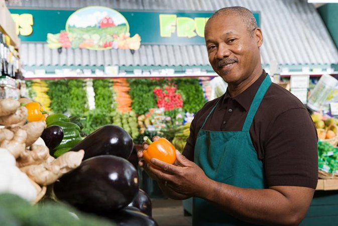 Why Do Grocery Store Owners Spray Fresh Fruits & Vegetables With Water?