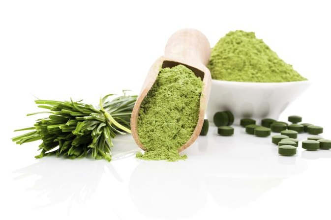 What Is the Difference Between Spirulina & Blue-Green Algae?
