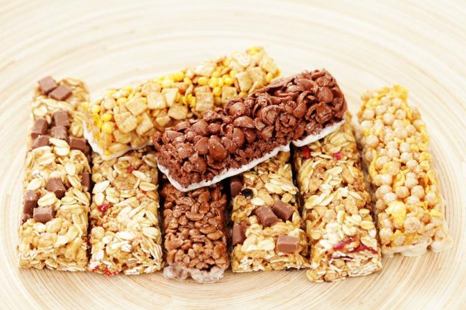 Do People Eat Protein Bars as Meal Replacements?
