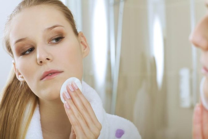 How to Get Rid of a Zit That Has Not Surfaced