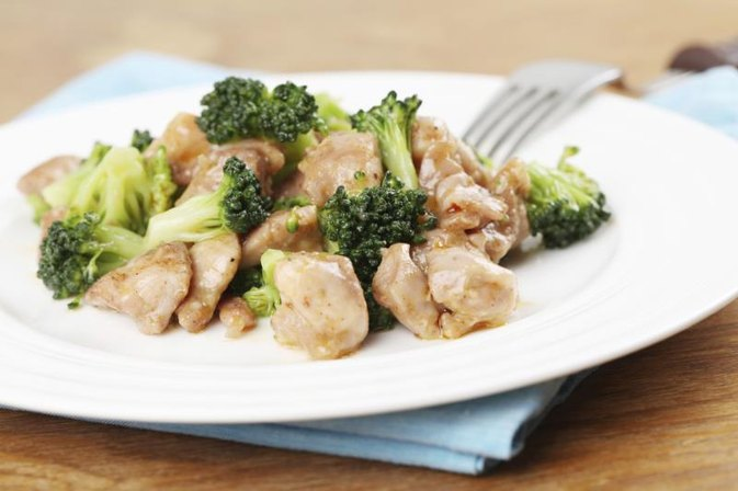 What is a Healthy Way to Make Chicken Stir Fry?