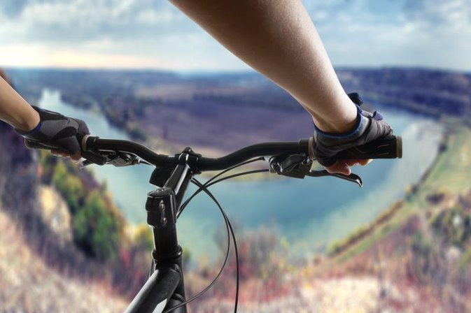 What Are High-Rise Mountain Bike Handlebars?