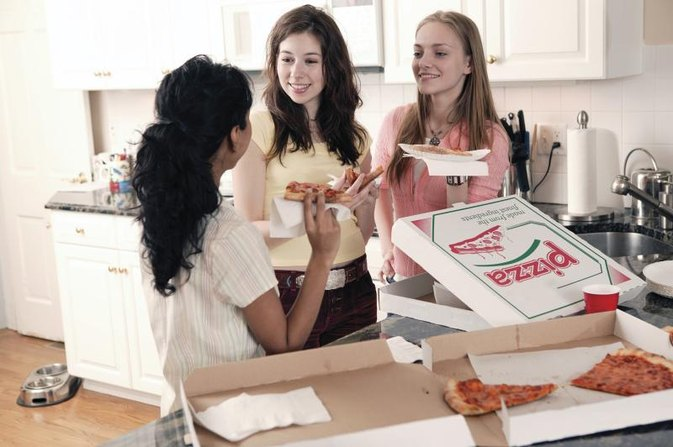 How Much Should a 13-Year-Old Girl Eat?