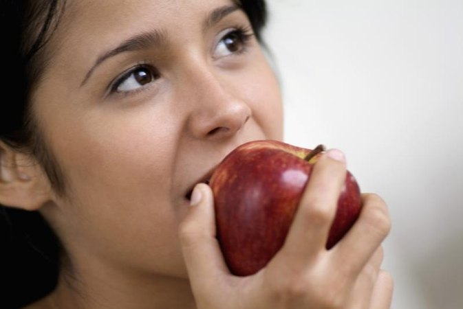 Does Eating Apples Before Meals Help You Lose Weight?