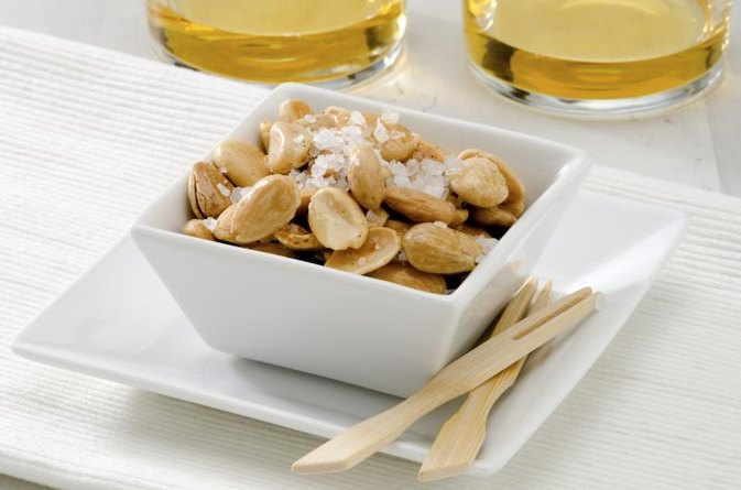 Does Toasting Almonds Decrease Their Nutritional Value?