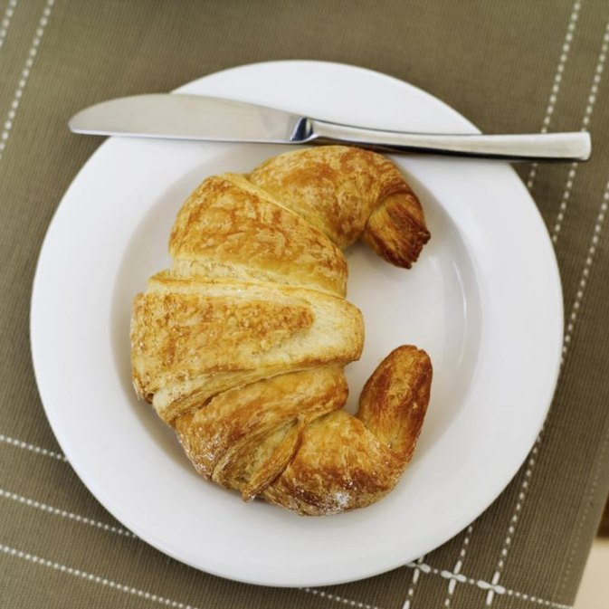 How to Cook a Frozen Croissant in an Oven