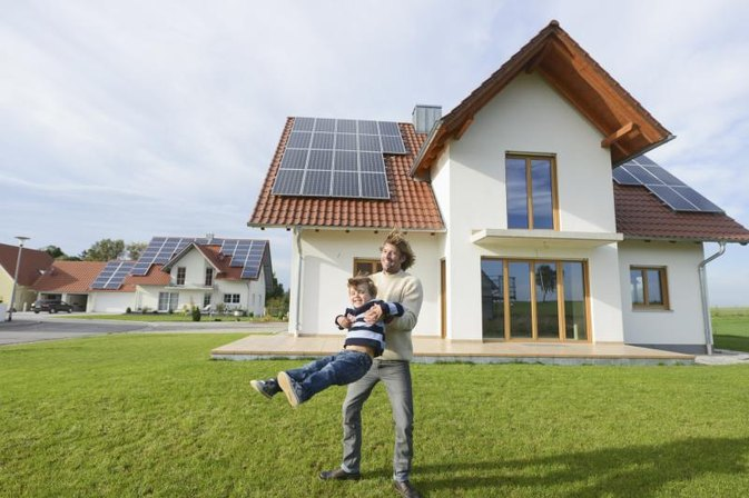 Do Solar Panels Work During a Power Outage?